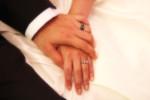 婚約指輪・結婚指輪の相場は?なかなか聞けない気になる相場感をチェック!